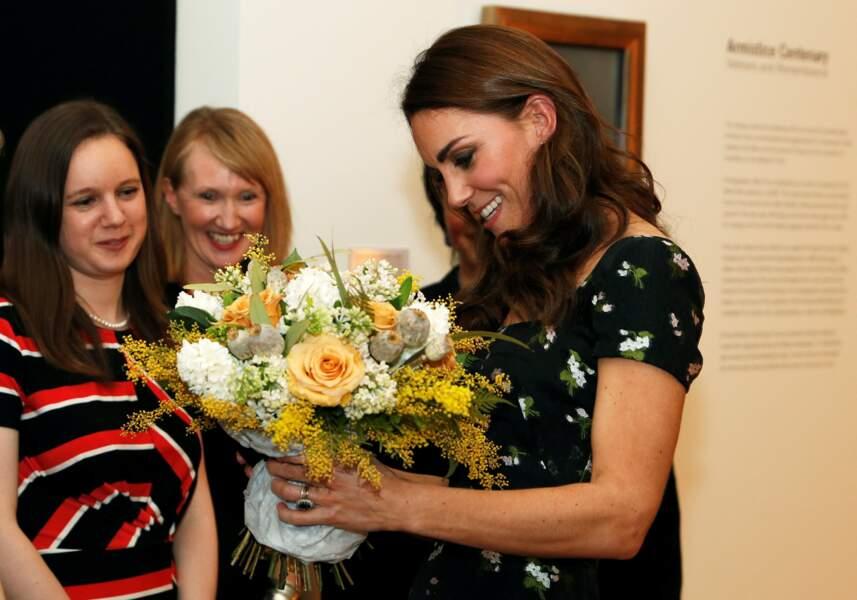 Diplômée en histoire de l'art, Kate Middleton a prouvé ce 12 mars qu'elle savait composer un look à moindres frais