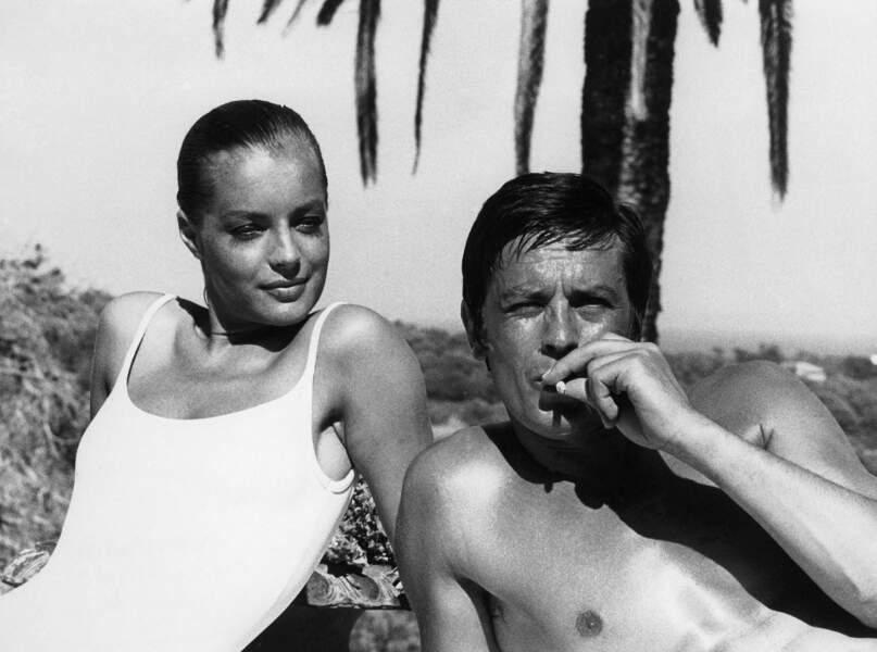 """Romy Schneider et Alain Delon sur le tournage du film """"La Piscine"""" en 1968"""
