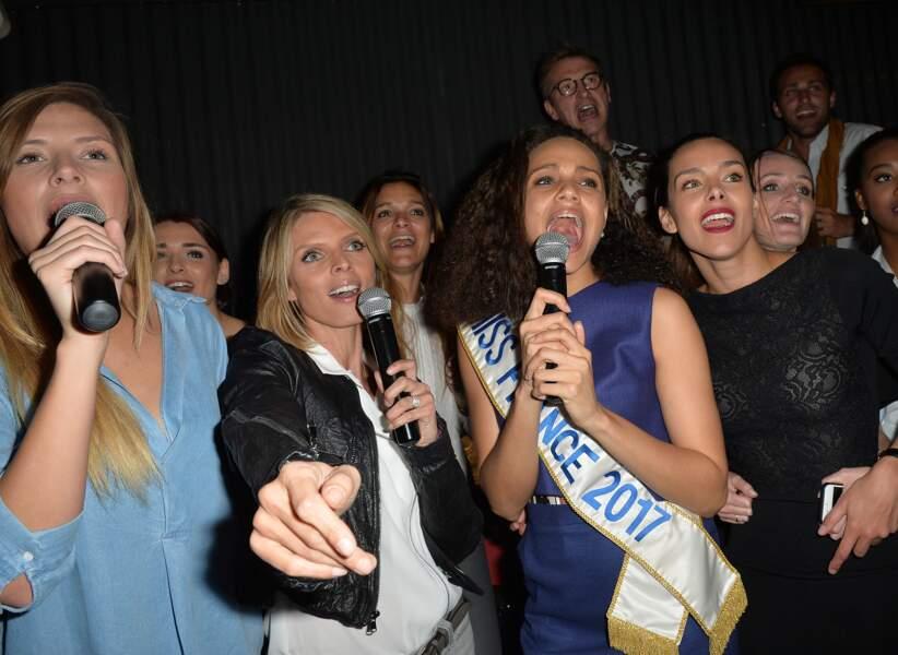 Camille Cerf, Sylvie Tellier, Alicia Aylies et Marine Lorphelin s'éclatent au karaoké