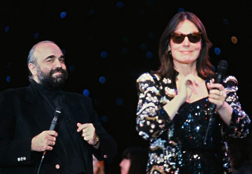 Avec Nana Mouskouri sa compatriote au Festival de Monte Carlo en 1988