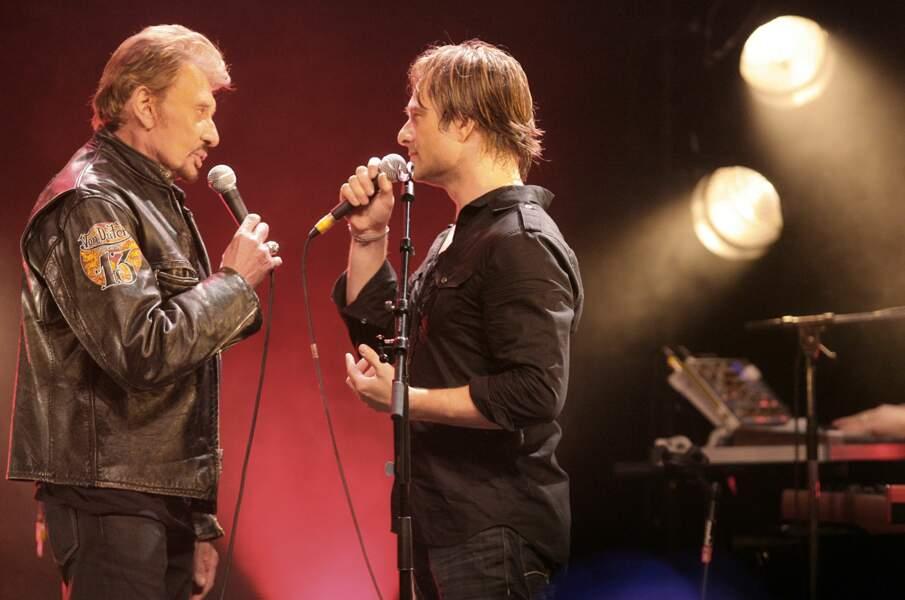 David Hallyday en duo avec Johnny Hallyday lors d'un concert à La Cigale à Paris en 2008