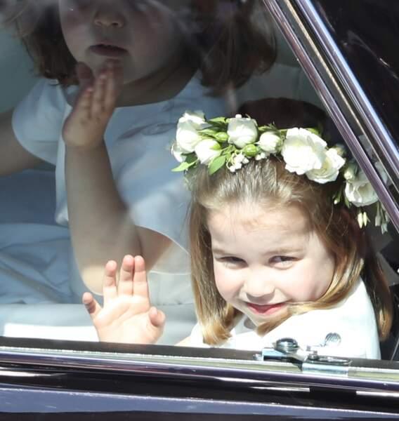 La princesse Charlotte très coquine en voiture