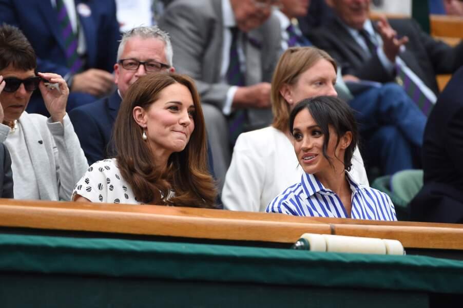 Kate et Meghan dans les tribunes de Wimbledon, en juillet 2018