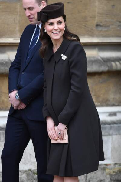Kate Middleton, enceinte, avec le prince William, lors de la messe de Pâques à Windsor le 31 mars 2018