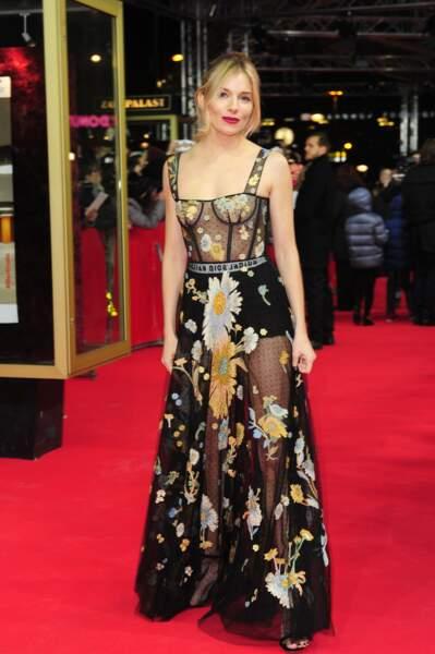 Sienna Miller en robe Dior, Berlinale 2017