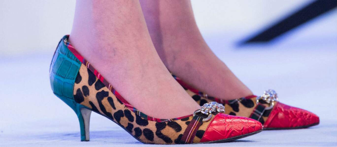 A qui appartiennent ces chaussures très rock ? A Theresa May.