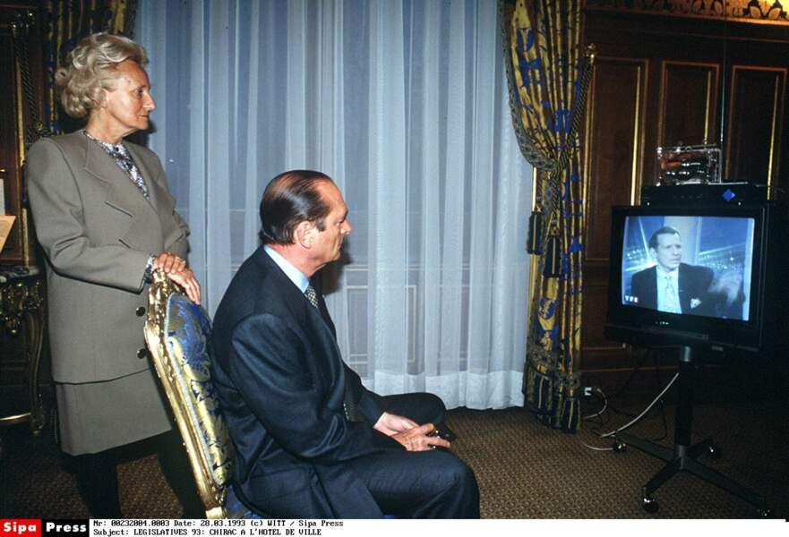 FRA<LEGISLATIVES 93: CHIRAC A L'HOTEL DE VILLE