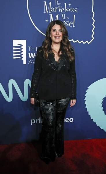 Invitée inattendue, Monica Lewinsky a fait sensation dans un costume pailleté dévoilant un caraco en dentelles