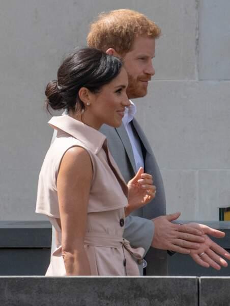 Le 17 juillet 2018, Meghan Markle portait déjà cette robe avec un chignon flou
