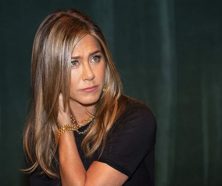 Jennifer Aniston: son célèbre dégradé aux tons beiges cendrés