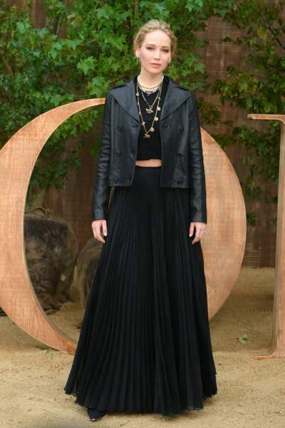 Jennifer Lawrence a joué entre le rock et le bohème pour le défilé Dior printemps-été 2020.