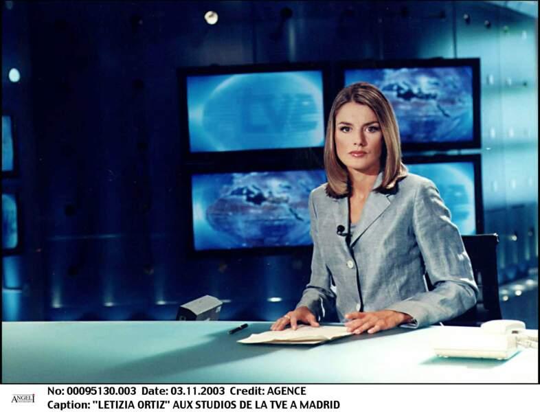 Letizia Ortiz, ancienne journaliste, dans les studios de la chaîne TVE à Madrid, en 2003