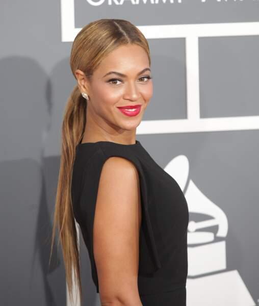 On adore la queue-de-cheval extra longue de Beyoncé, simple et efficace