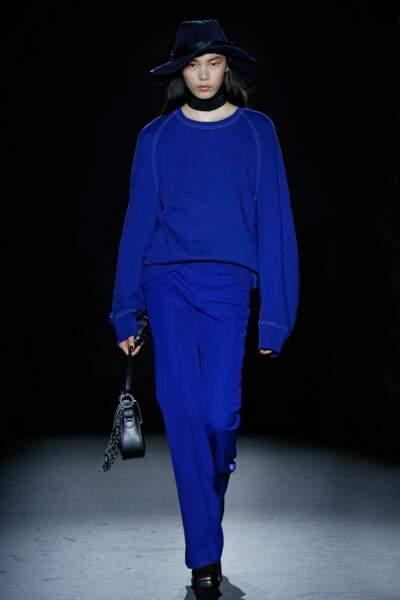 Total look bleu roi chez Zadig & Voltaire, une couleur à adopter !