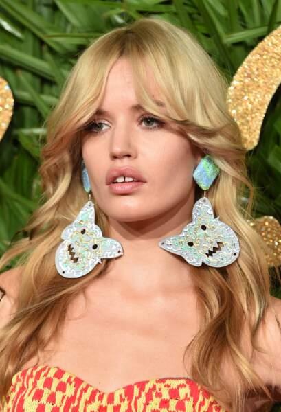 La frange rideau parfaite à la Brigitte Bardot par Georgia May Jagger