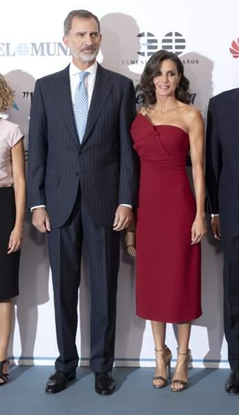 Le roi Felipe VI et la reine Letizia devant les photographes à Madrid, le 1er octobre 2019