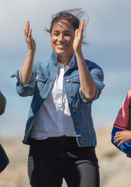 Meghan Markle porte une veste en jean le 24 septembre 2019, le 2ème jour du Royal Tour en Afrique du sud