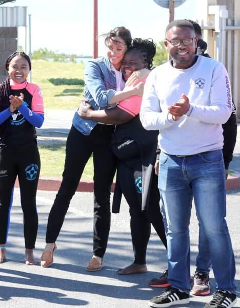 Pour ce 2ème jour en Afrique du Sud, Meghan Markle adopte un look très casual chic