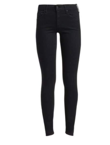 Le jean skinny noir de Meghan Markle est le modèle Looker de Mother Denim à 285 €