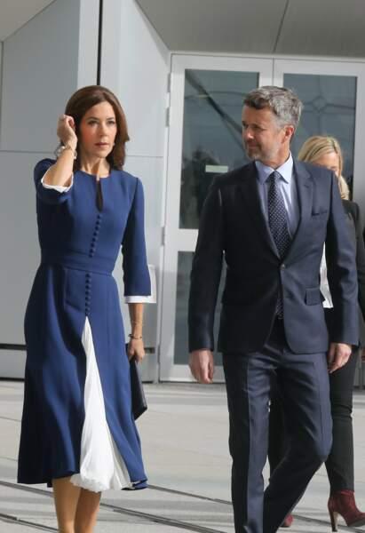 A 47 ans, la princesse Mary du Danemark cultive un look sophistiqué et moderne