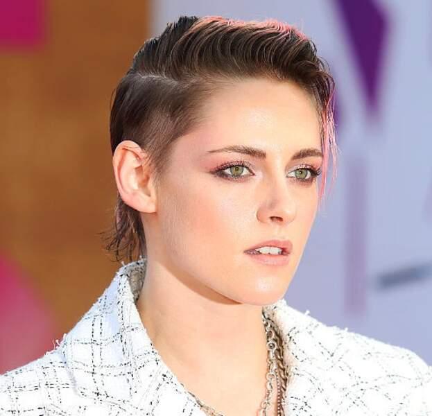 Un rose audacieux pour Kristen Stewart