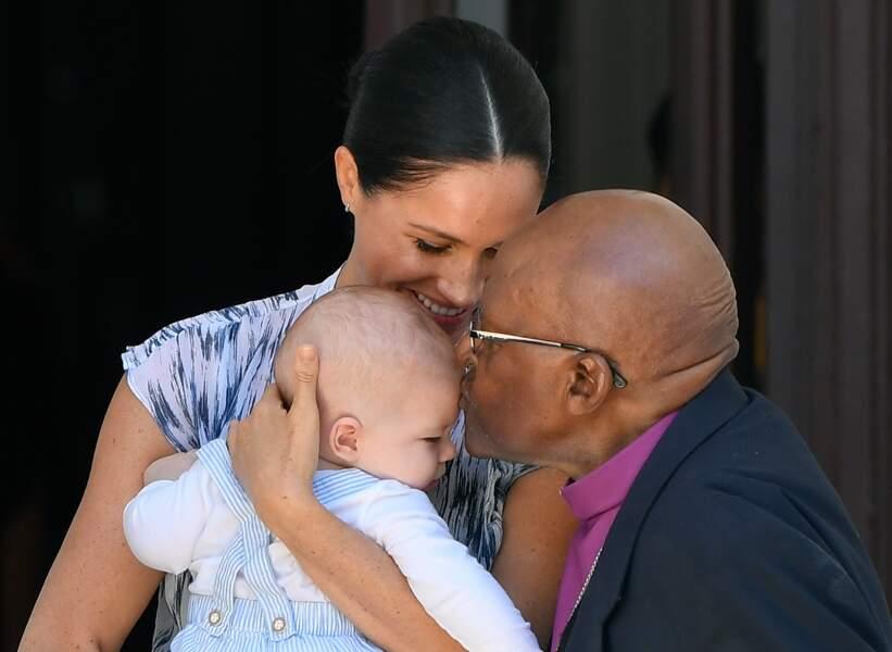 Meghan Markle avec son fils Archie ont rencontré l'archevêque Desmond Tutu et sa femme à