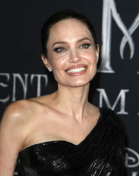 Le sourire radieux d'Angelina Jolie