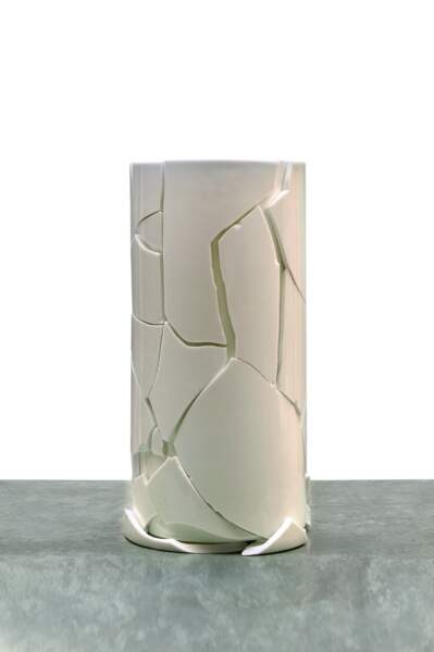 """La vente """"Fantasy"""" regroupera des pièces unique créées par des artistes à partir de vases Bernardaud."""