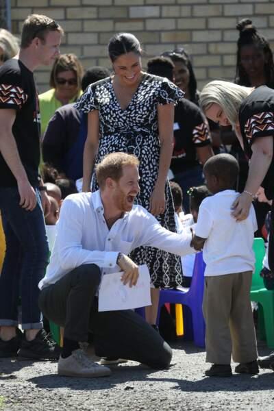 Meghan Markle très souriante pour son premier royal tour depuis la naissance d'Archie