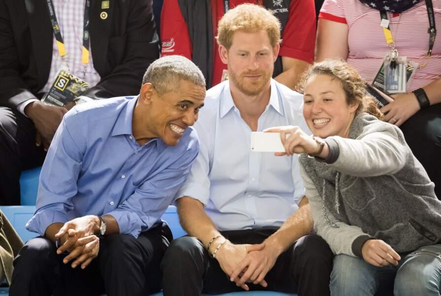 Quand le prince Harry a posé pour un selfie avec Barack Obama