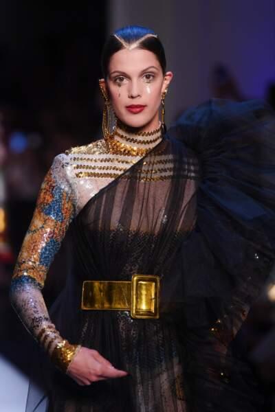 Iris Mittenaere tout en transparence pour son premier défilé haute couture Jean Paul Gaultier