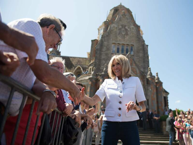Brigitte Macron ne se passe plus de sa montre Michel Herbelin