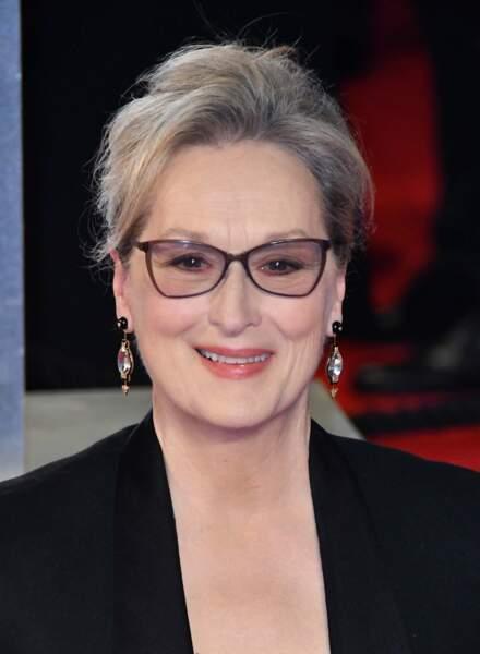 L'excellente Meryl Streep mixe savemment le blond et le blanc dans sa chevelure