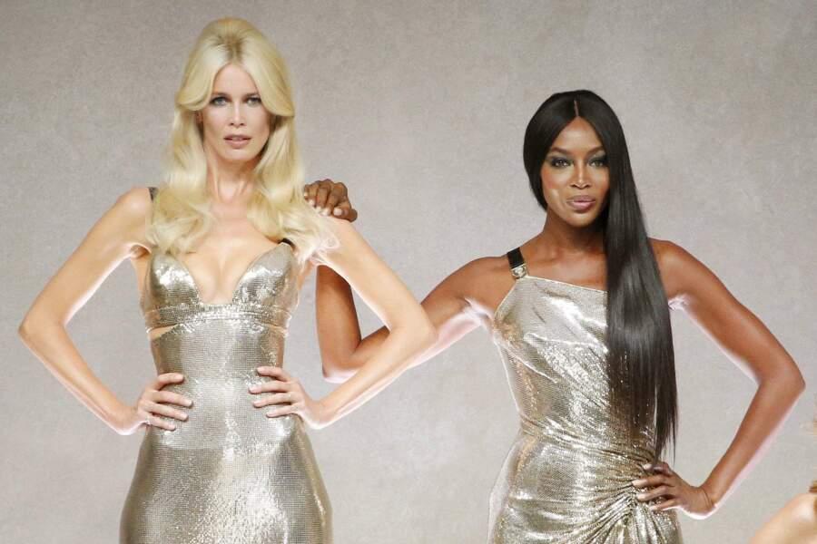 Claudia Schiffer and Naomi Campbell au défilé Versace, toujours canon