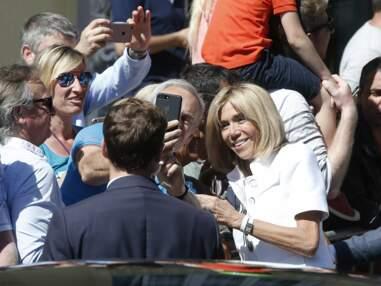 Brigitte Macron en jeans slim pour aller voter