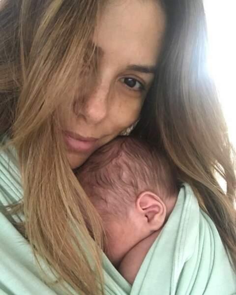 Moment de tendresse pour Eva Longoria et son fils Santiago, né le 19 juin 2018