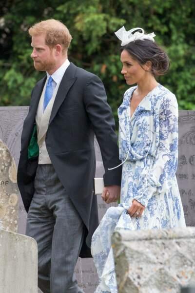 Le prince Harry et Meghan Markle (en robe Oscar de la Renta,) lors du mariage de Celia McCorquodale le 16 juin 2018
