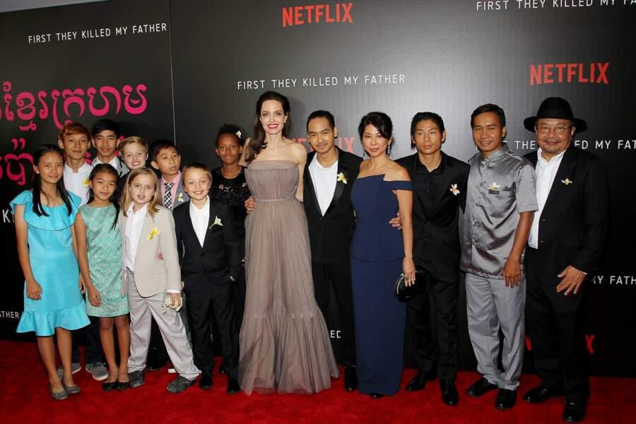 Angelina Jolie, très chic et heureuse de présenter son film entourée de ses enfants