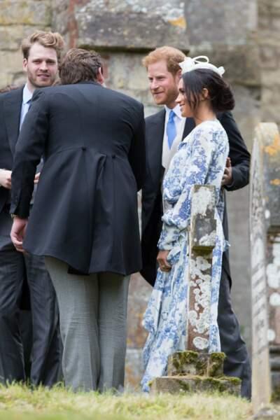Meghan Markle, chignon flou et robe Oscar de La Renta