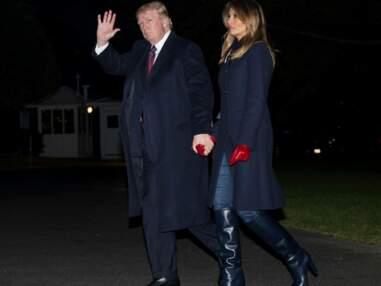 PHOTOS  - Melania trump très élégante avec des gants bordeaux et complice avec Donald Trump