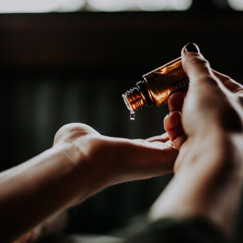 Quelles huiles essentielles utiliser pour bien gérer stress, sommeil, immunité et tonus?