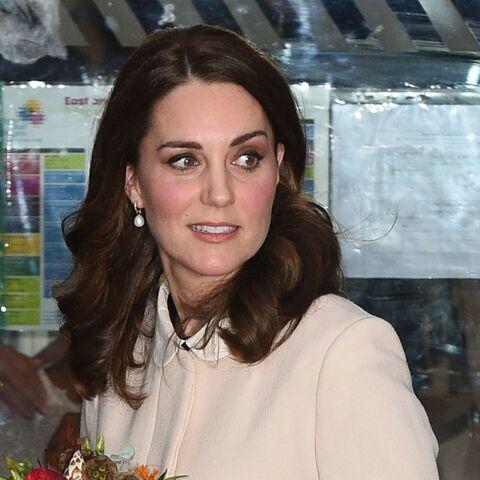 PHOTOS – Kate Middleton tout sourire et glamour en Diane Von Furstenberg pour l'anniversaire de la reine