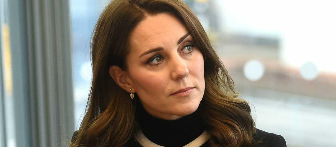 Photos – Kate Middleton enceinte de son troisième enfant: elle recycle tous ses vêtements de grossesse dont son manteau à 767 €