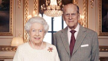 Elisabeth II: Trois litres de rhum et 27 kilos de beurre, les chiffres impressionnants de son gâteau d'anniversaire de mariage