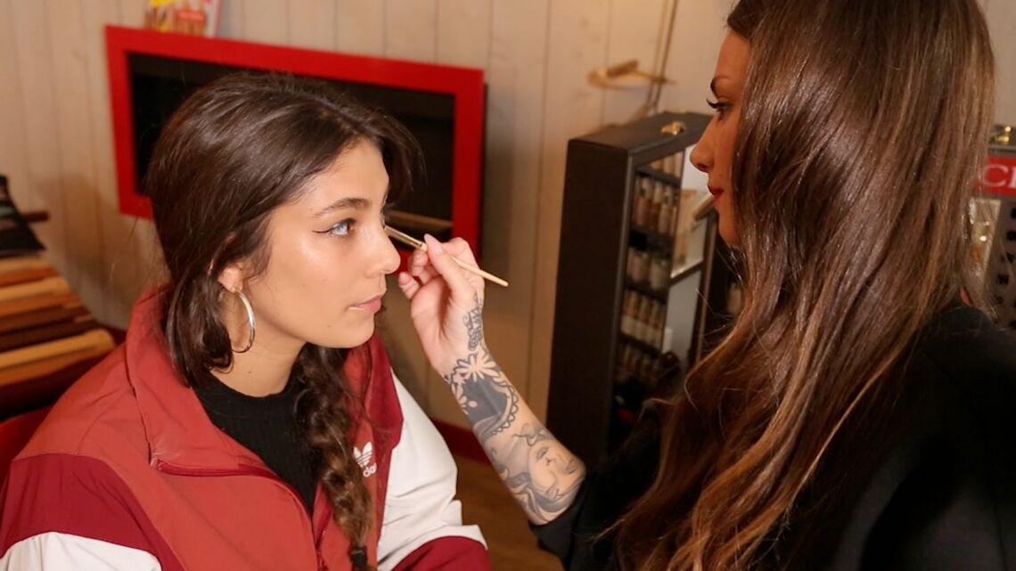 VIDEO – Dans les coulisses du maquillage de la rappeuse Chilla par Fanny Maurer, make-up artist Clarins