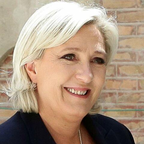 Quand Gaspard Proust se moque de la «voix de charcutière» de Marine Le Pen alors qu'elle assiste à son spectacle
