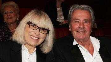 PHOTO – Alain Delon poursuit le combat de Mireille Darc