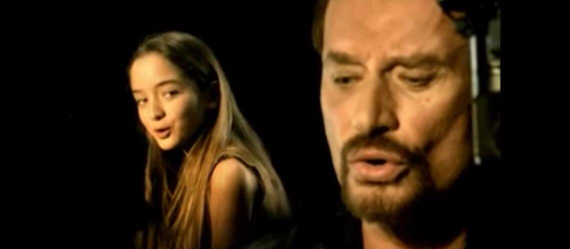 PHOTOS – Clémence, la fillette qui avait chanté en duo avec Johnny Hallyday, livre un message bouleversant