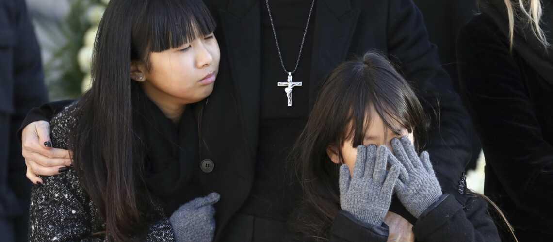 PHOTOS – Jade et Joy Hallyday: les fillettes émouvantes de dignité malgré la douleur