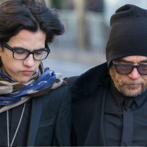 PHOTOS – Pascal Obispo, soutenu par son fils Sean aux obsèques de Johnny Hallyday